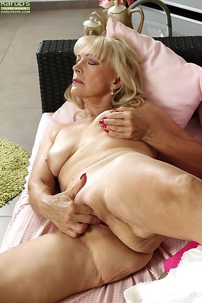 Ugly blonde granny Janet..