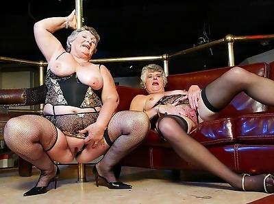 Old lesbians - part 1721