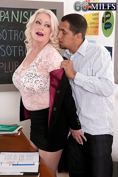 Fat horny mom bares her big..