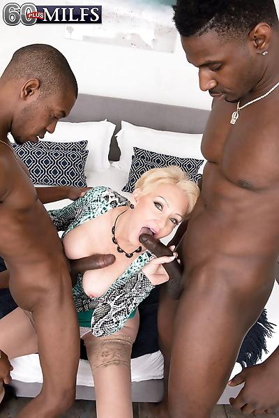 Old wife Seka Black gets..