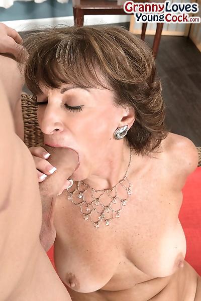 Over 60 lady Sydni Lane lips..