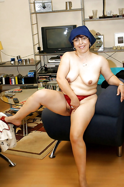 Lusty granny with saggy tits..