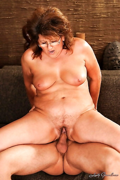 Chubby granny has some pussy..