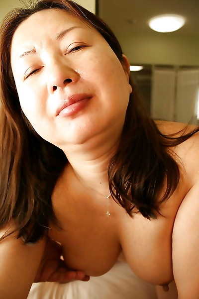 Asian slut Miyoko Nagase..