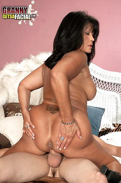 Hot mature lady Lani Maru..