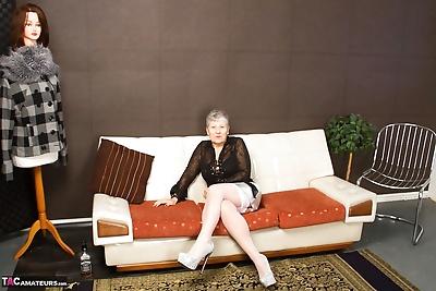 Hot granny Savana in sheer..