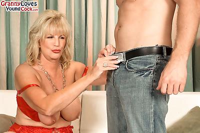 Horny granny Anneke..