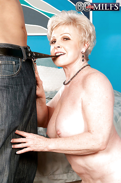 Naked granny Jewel giving a..
