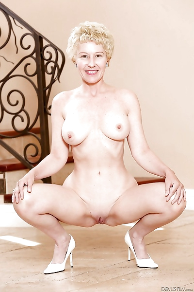 Mature granny with super hot..