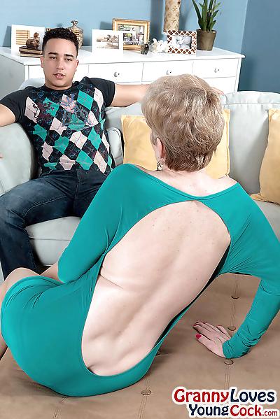 Blonde granny sindee dix..