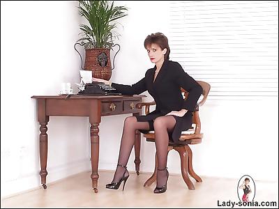 Dominant nylons leg mistress..