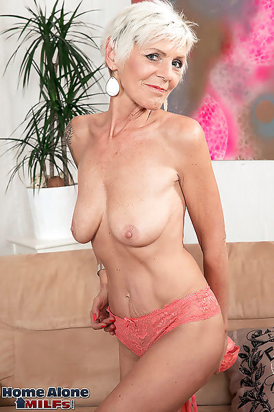 A horny old wife with a..