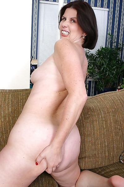Old babes, moms and milfs,..