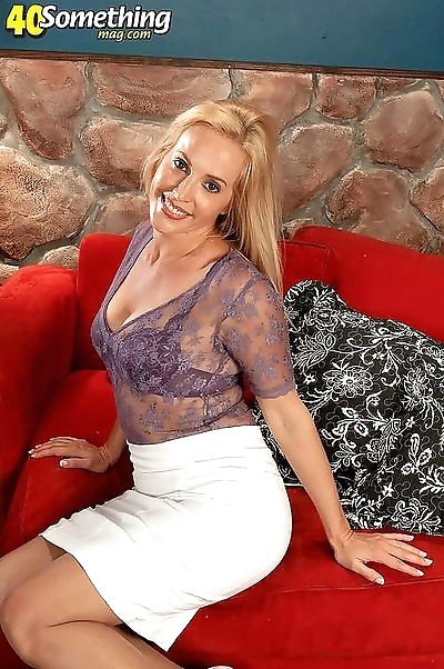 Perfect milf lady stripping..