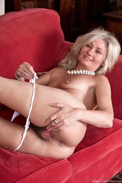 Ellen strips off her white..