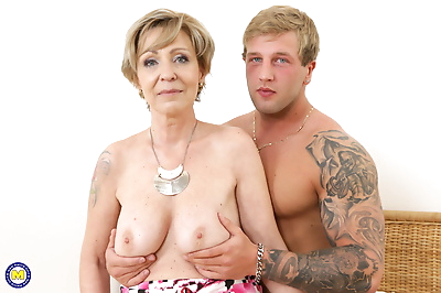 Horny mature lady fooling..