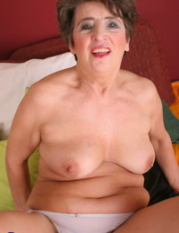 Mature lady Felice relieves built up vaginal pressure with a vibrator