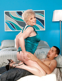 Short haired granny Jewel spreading shaved pussy for deep vaginal penetration