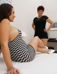 Horny mature lady doing a pregnant young babe - part 3233